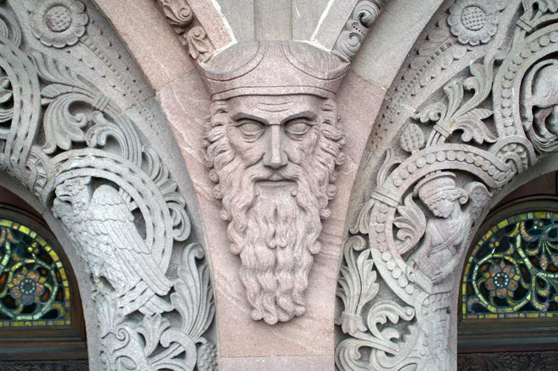 Eingangsportal der Erlöserkirche Bad Homburg