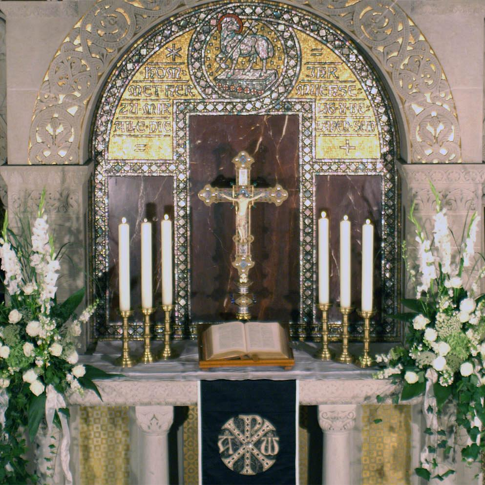 Altar der Erlöserkirche Bad Homburg (Foto: Uwe Lange)